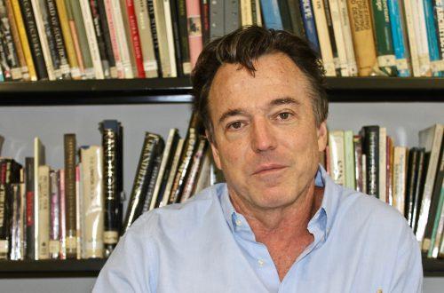 Set designer Derek McLane.