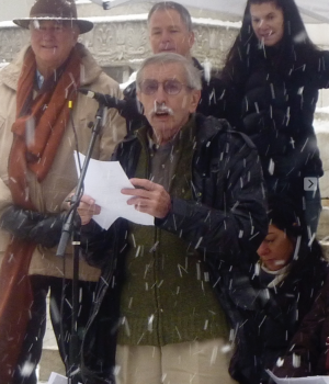 Edward Albee speaking at a PEN American Center rally on New Year's Day, 2009.