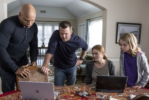 """""""Parallel Resistors"""" -- Pictured: LL COOL J (Special Agent Sam Hanna), Chris O'Donnell (Special Agent G. Callen), Kandis Fay (Pamela Volonev) and Shree Crooks (Nadia Volonev). After a graduate student developing an electromagnetic weapon for the Navy is attacked, the NCIS team discovers a connection to international warfare. Also, Kensi continues grueling physical therapy for her spinal injury, on NCIS: LOS ANGELES, Sunday, Nov. 13 (8:00-9:00 PM, ET/PT), on the CBS Television Network. Photo: Paul Sarkis/CBS ©2016 CBS Broadcasting, Inc. All Rights Reserved."""