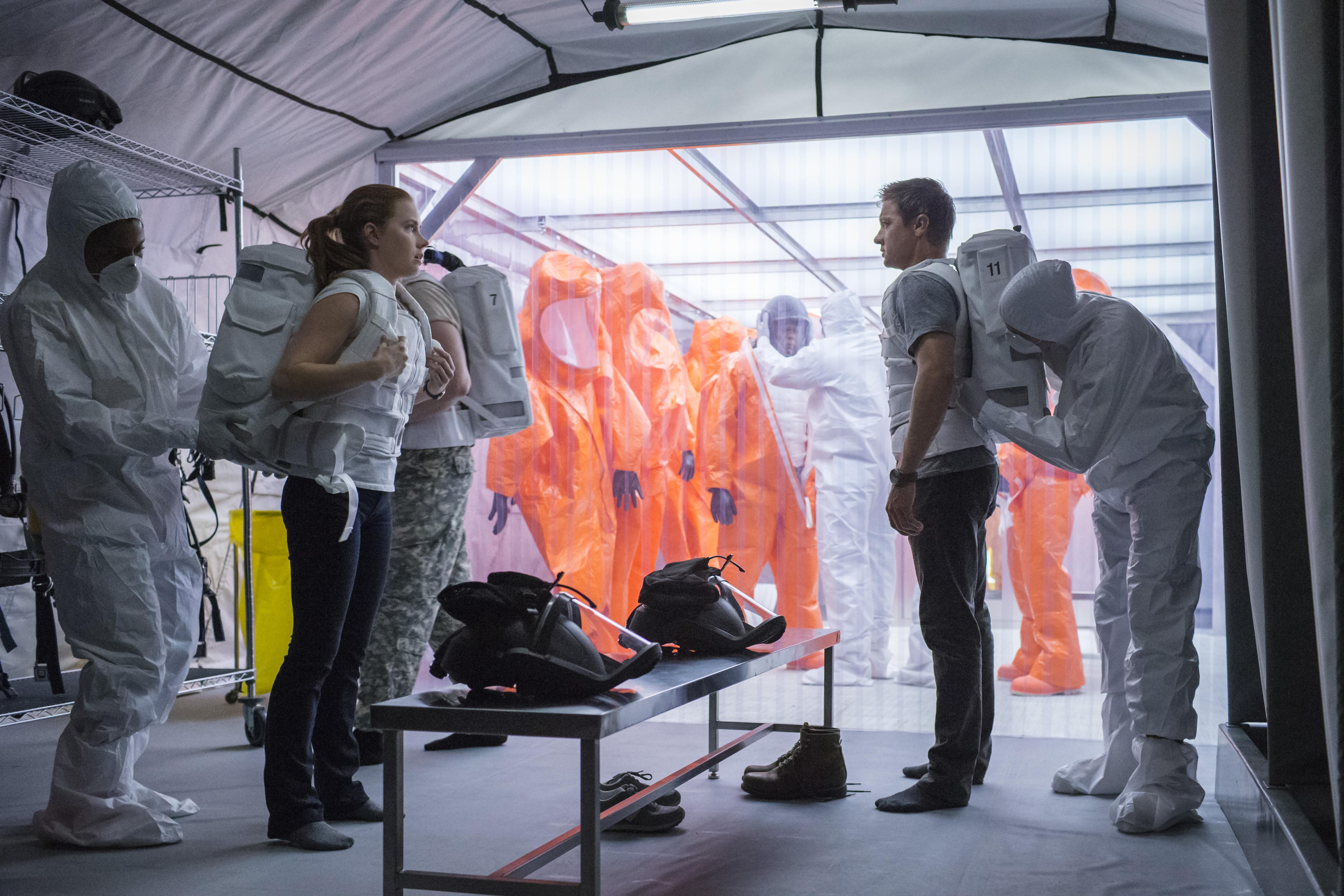 Amy Adams, Jeremy Renner - Arrival.jpeg