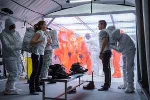 Amy Adams, Jeremy Renner - Arrival.jpeg