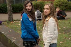 Hailee Steinfeld, Haley Lu Richardson - The Edge of Seventeen.jpeg