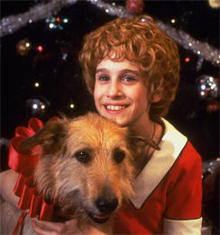 Sarah Jessica Parker and Sandy in 'Annie.'