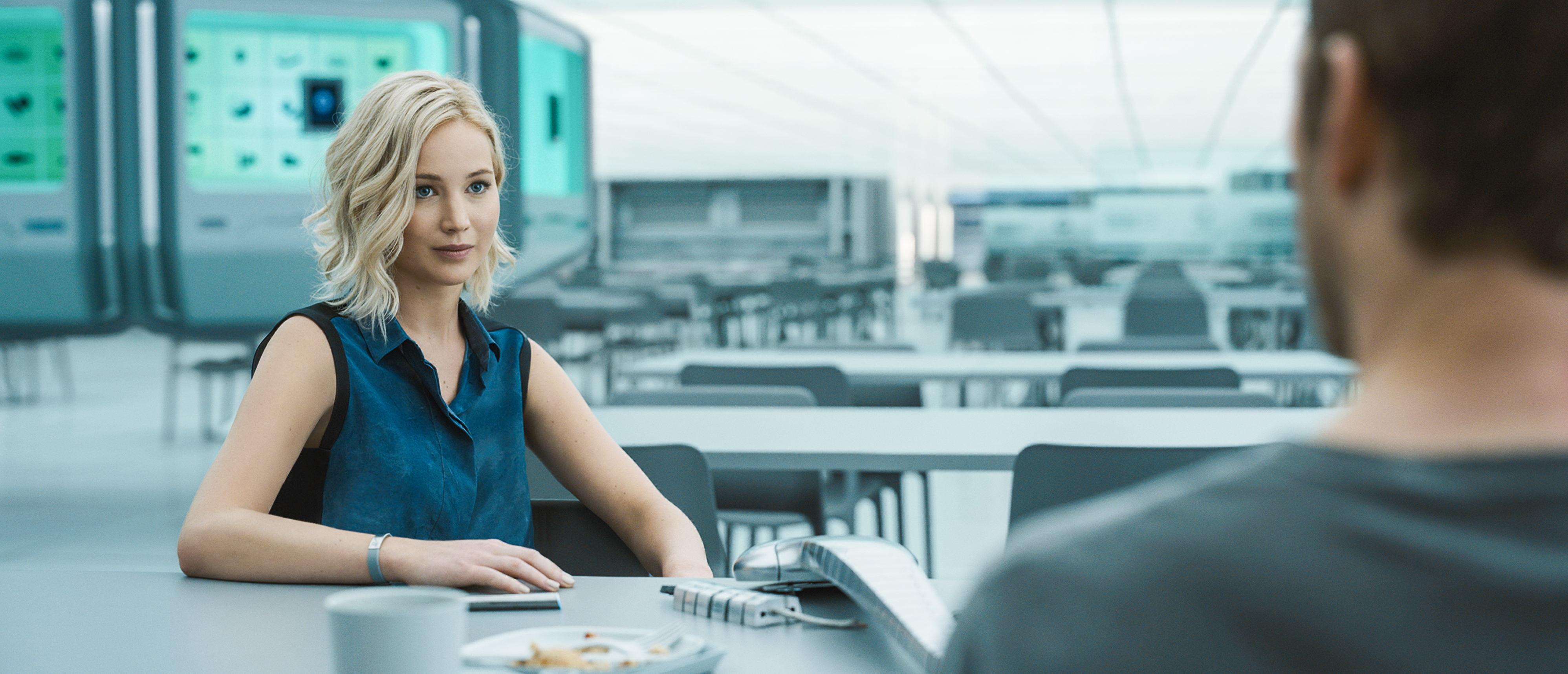 Jennifer Lawrence, Chris Pratt - Passengers.jpeg