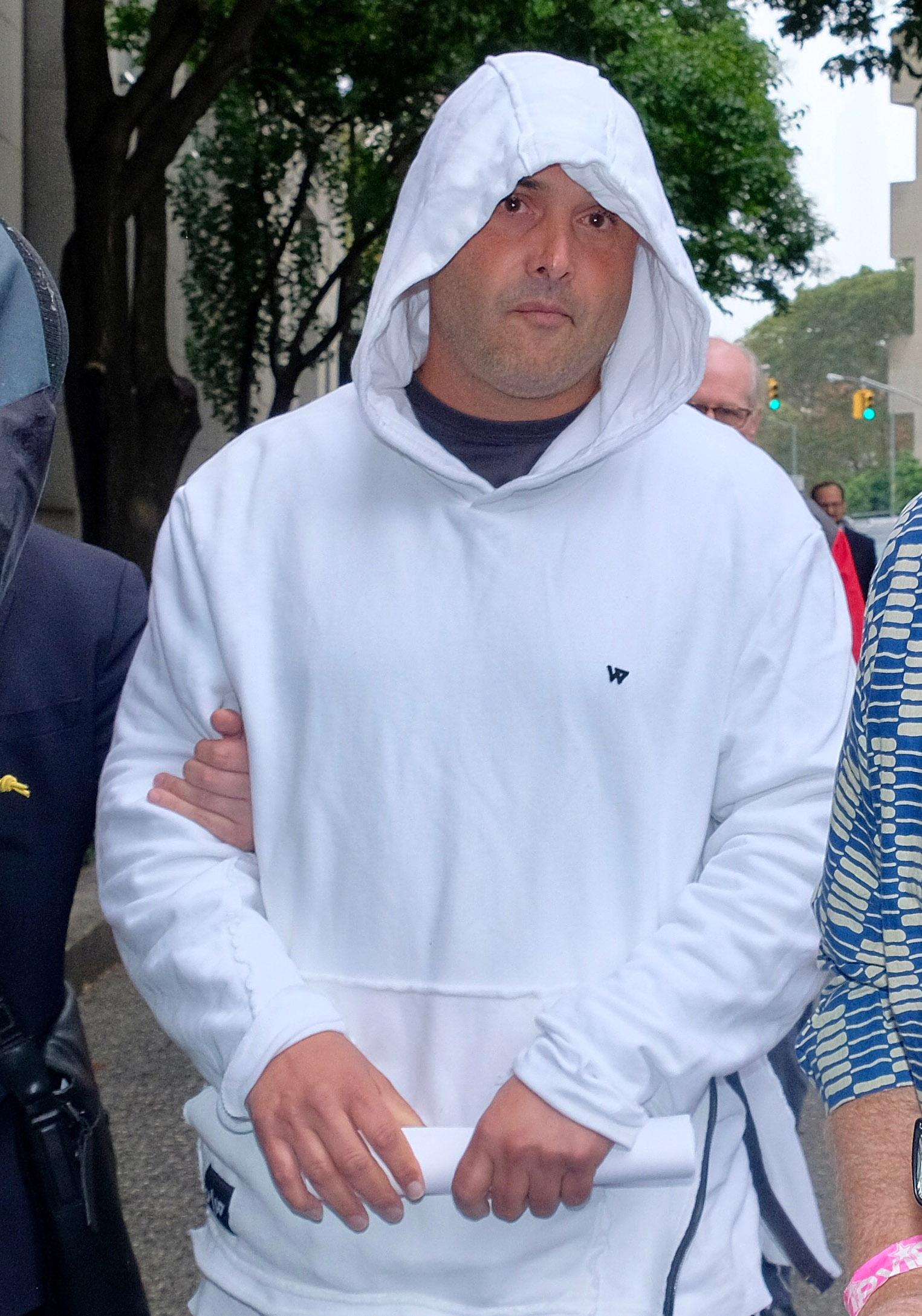 Former WFAN Host Craig Carton Gets 42-Month Prison Term For Ticket Fraud –  Deadline