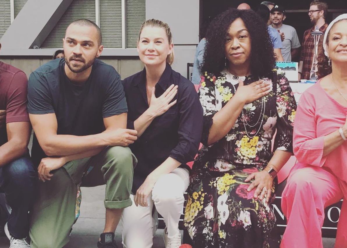 Grey S Anatomy Cast Takes A Knee In Solidarity While Filming 300th Episode Deadline