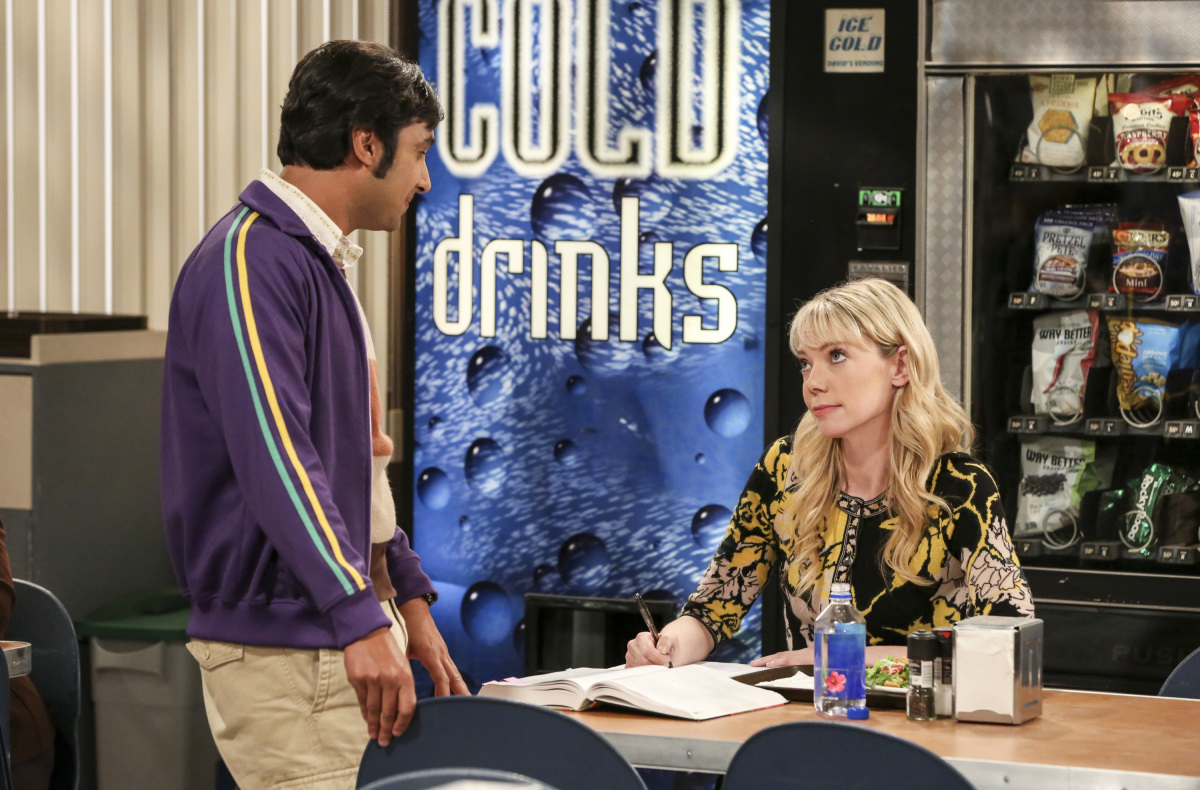 """""""The Proposal Proposal"""" -- Pictured: Rajesh Koothrappali (Kunal Nayyar) and Dr. Ramona Nowitzki (Riki Lindhome). Amy gives Sheldon an answer to his proposal while Howard and Bernadette struggle with some unexpected news, on the 11th season premiere of THE BIG BANG THEORY, Monday, Sept. 25 (8:00-8:30 PM, ET/PT) on the CBS Television Network. Laurie Metcalf returns as Sheldon's mother, Mary; Riki Lindhome returns as Ramona; and Stephen Hawking returns as himself. Photo: Michael Yarish/Warner Bros. Entertainment Inc. © 2017 WBEI. All rights reserved."""