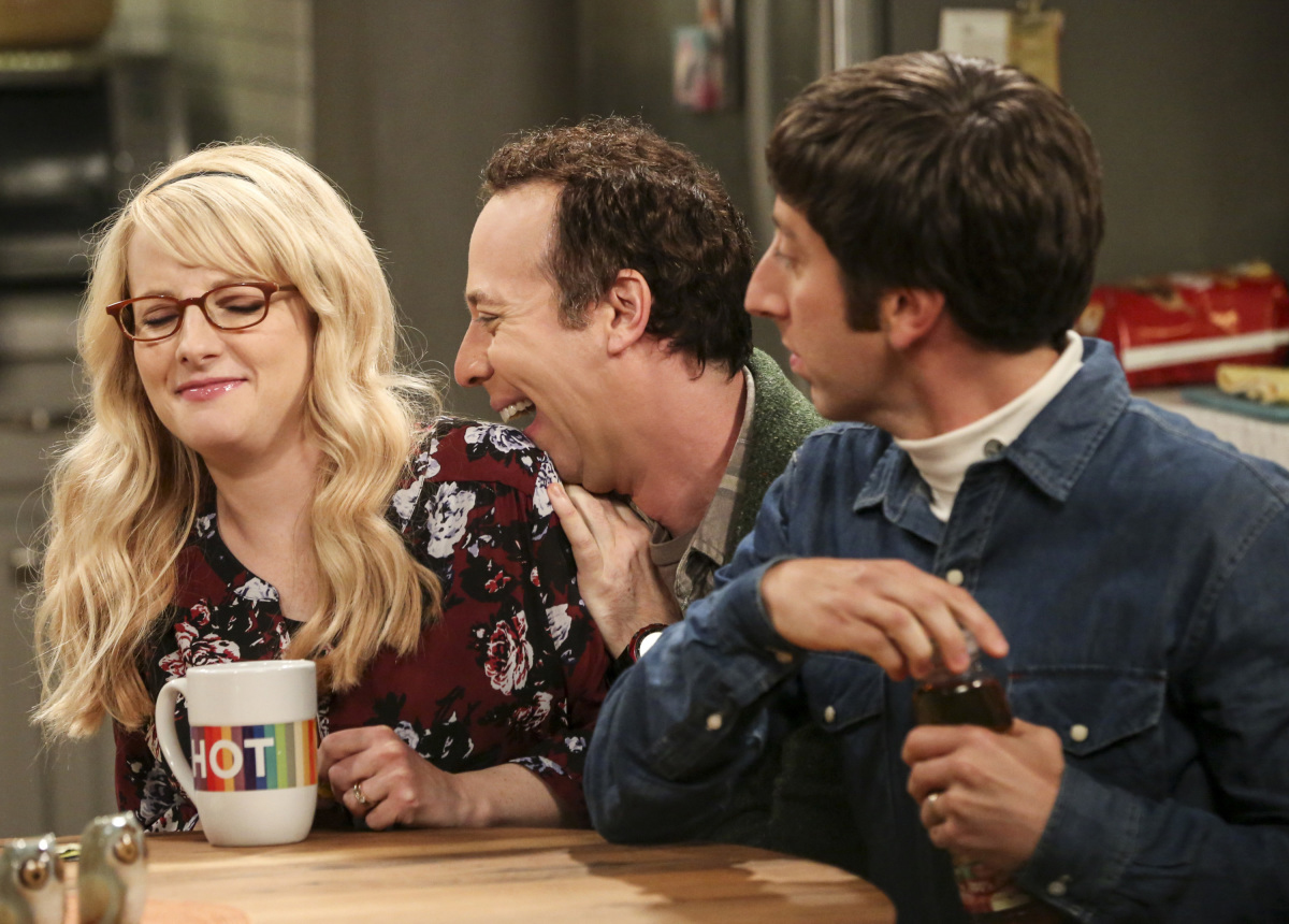"""""""The Proposal Proposal"""" - Pictured: Bernadette (Melissa Rauch), Stuart (Kevin Sussman), and Howard Wolowitz (Simon Helberg). Amy gives Sheldon an answer to his proposal while Howard and Bernadette struggle with some unexpected news, on the 11th season premiere of THE BIG BANG THEORY, Monday, Sept. 25 (8:00-8:30 PM, ET/PT) on the CBS Television Network. Laurie Metcalf returns as Sheldon--С™Р""""--ћР""""Т's mother, Mary; Riki Lindhome returns as Ramona; and Stephen Hawking returns as himself. Photo: Michael Yarish/Warner Bros. Entertainment Inc. Р'В¬Р'В© 2017 WBEI. All rights reserved."""