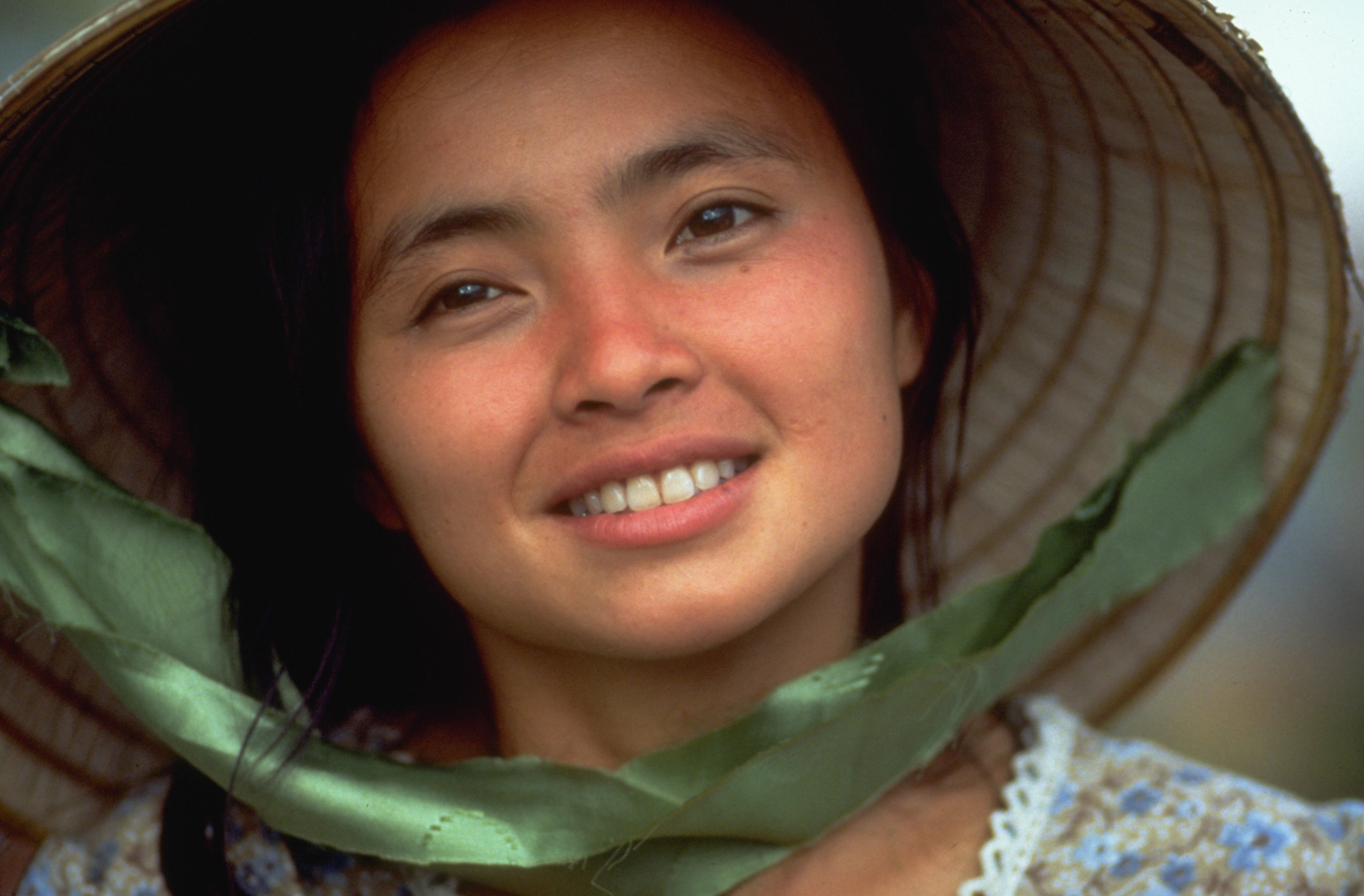 Hiep Thi Le Dead Star Of Oliver Stone S Heaven And Earth Was 46 Deadline