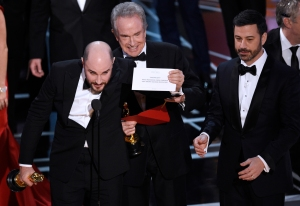 Oscars 2017 Best Picture Mistake