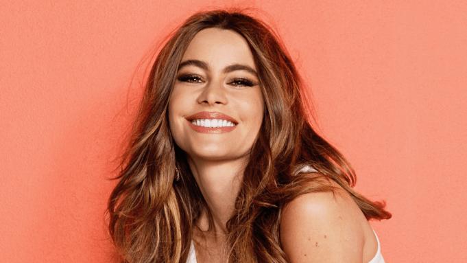Sofia Vergara in celebrities with thyroid cancer