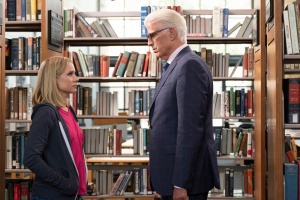 Kristen Bell & Ted Danson in The Good Place