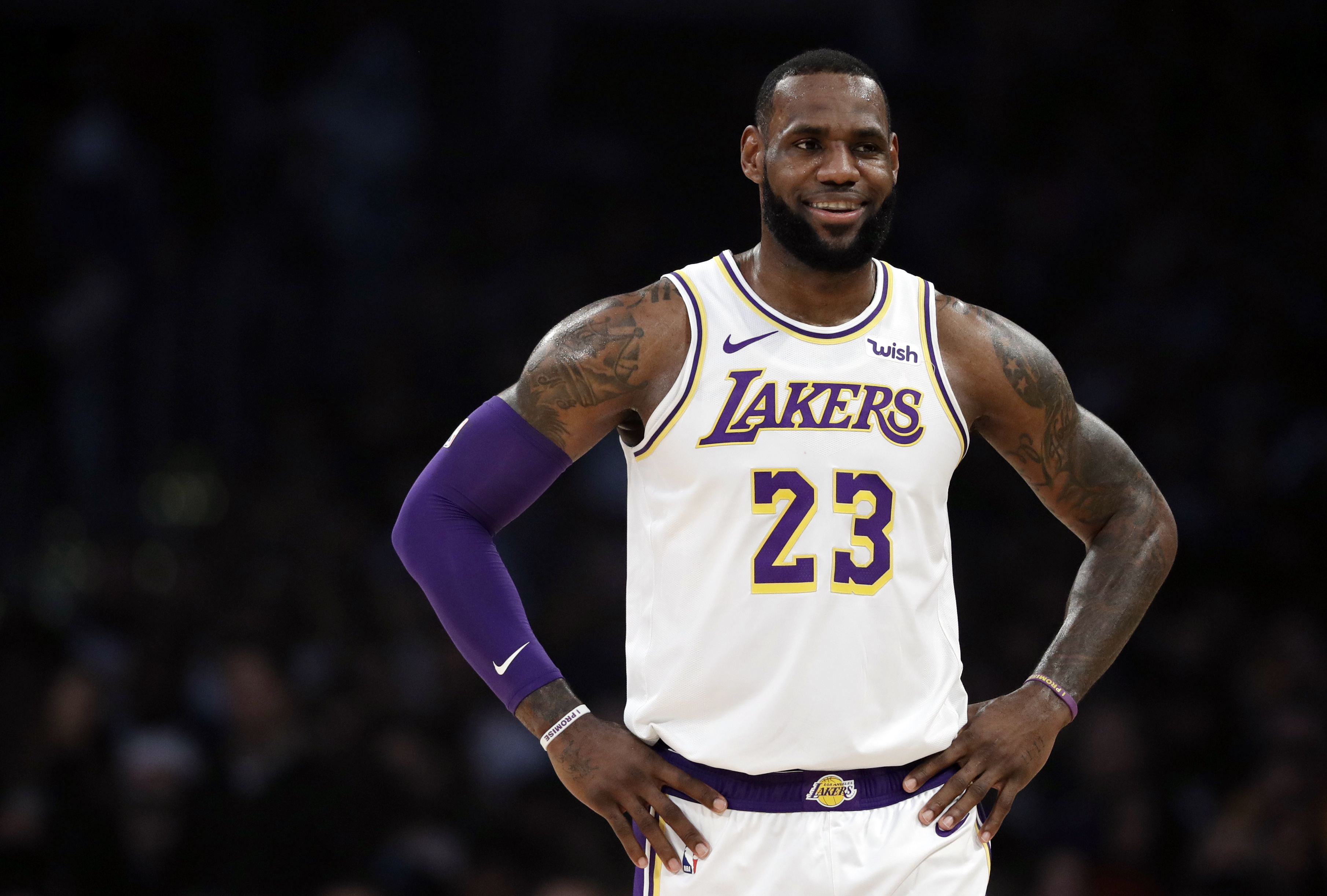 President Donald Trump Slams L A Laker Lebron James He S A Hater Deadline