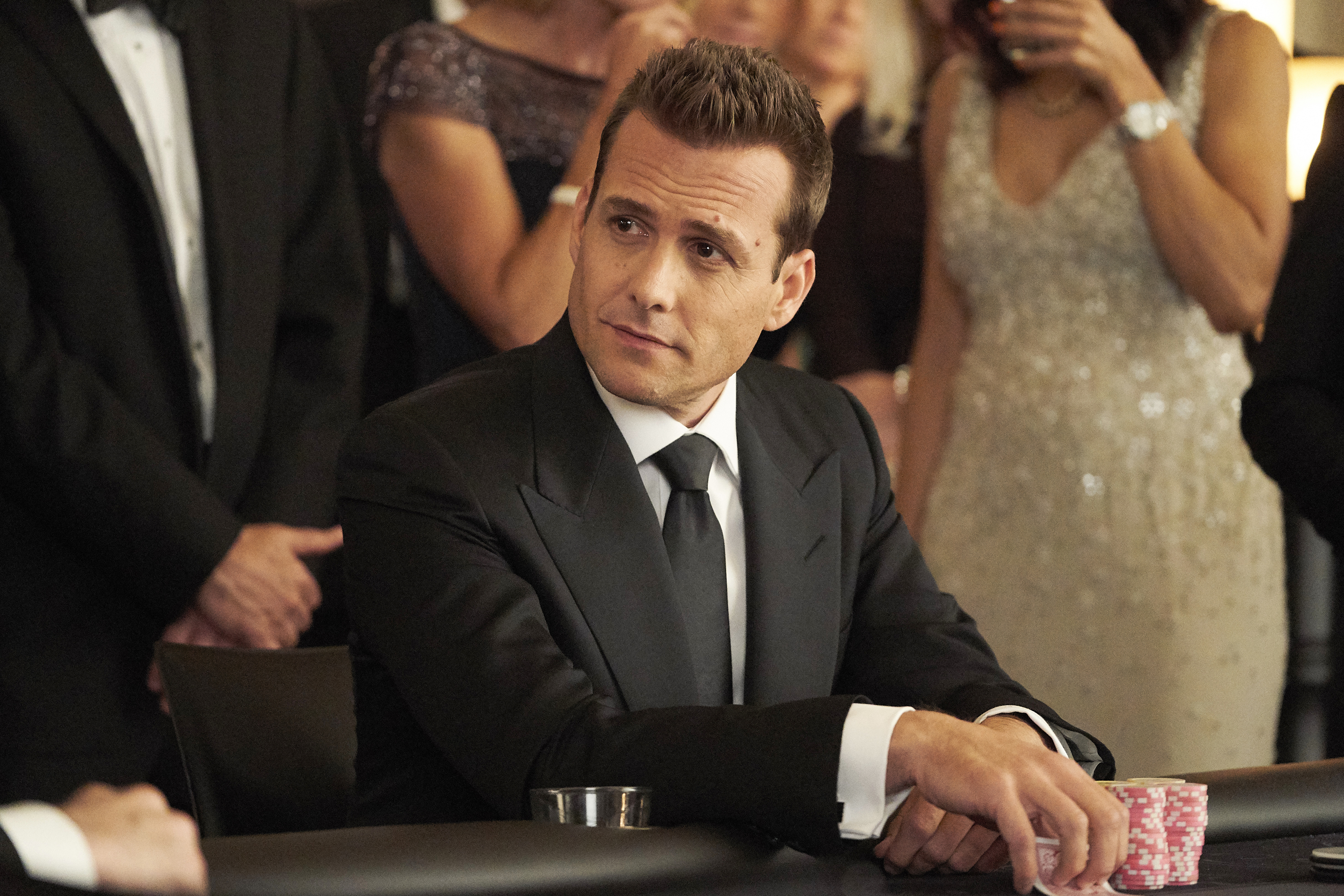 suits creator aaron korsh shares final season plans who may return deadline https deadline com 2019 01 suits final season spoilers creator aaron korsh meghan markle patrick j adams return ending spinoff 1202538942