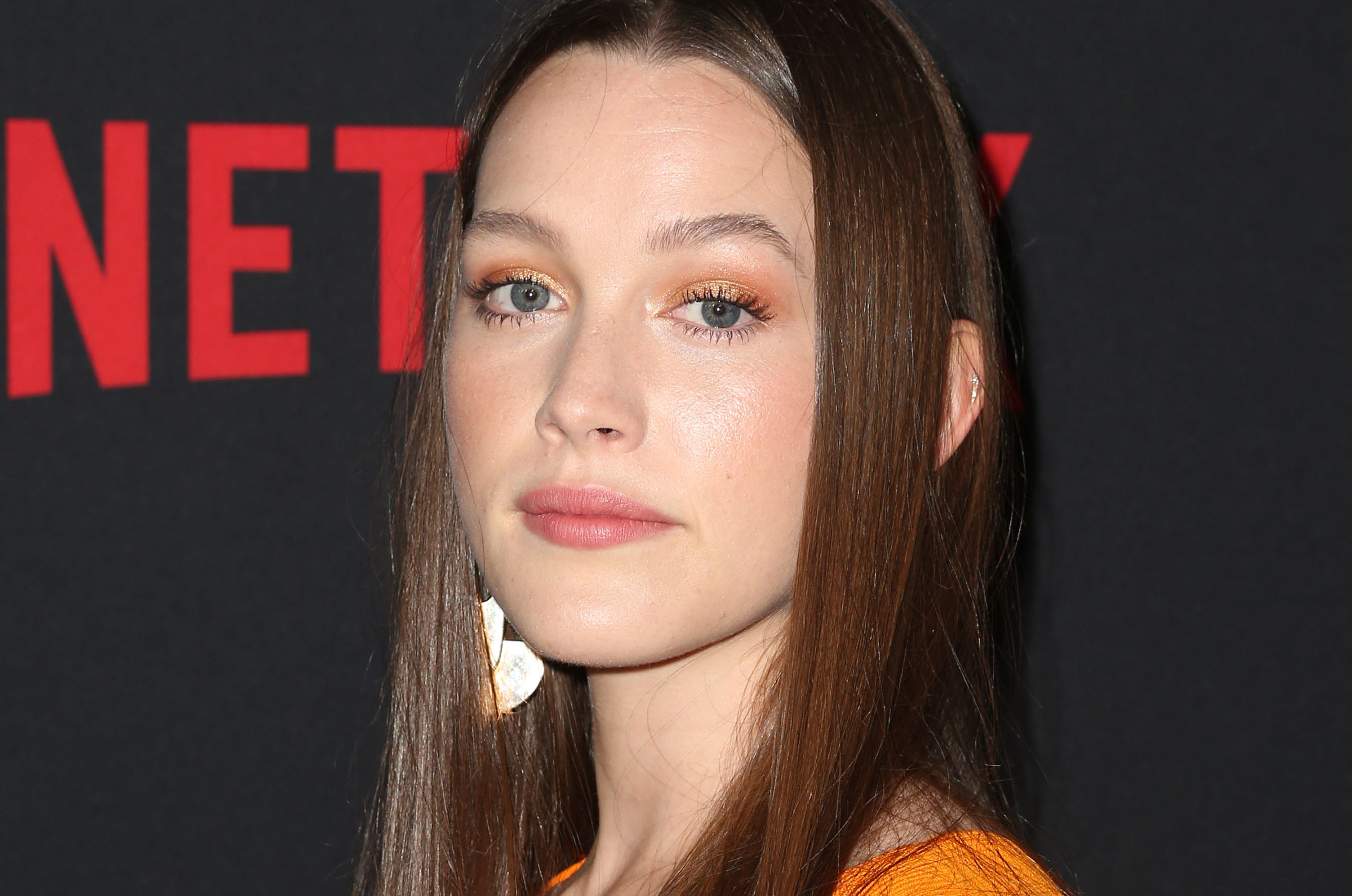 You Victoria Pedretti Cast As Female Lead In Season 2 On Netflix Deadline