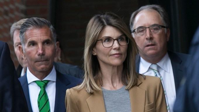 Lori Loughlin Gets Win In College Bribery Case As Judge Slams Feds Probe Deadline