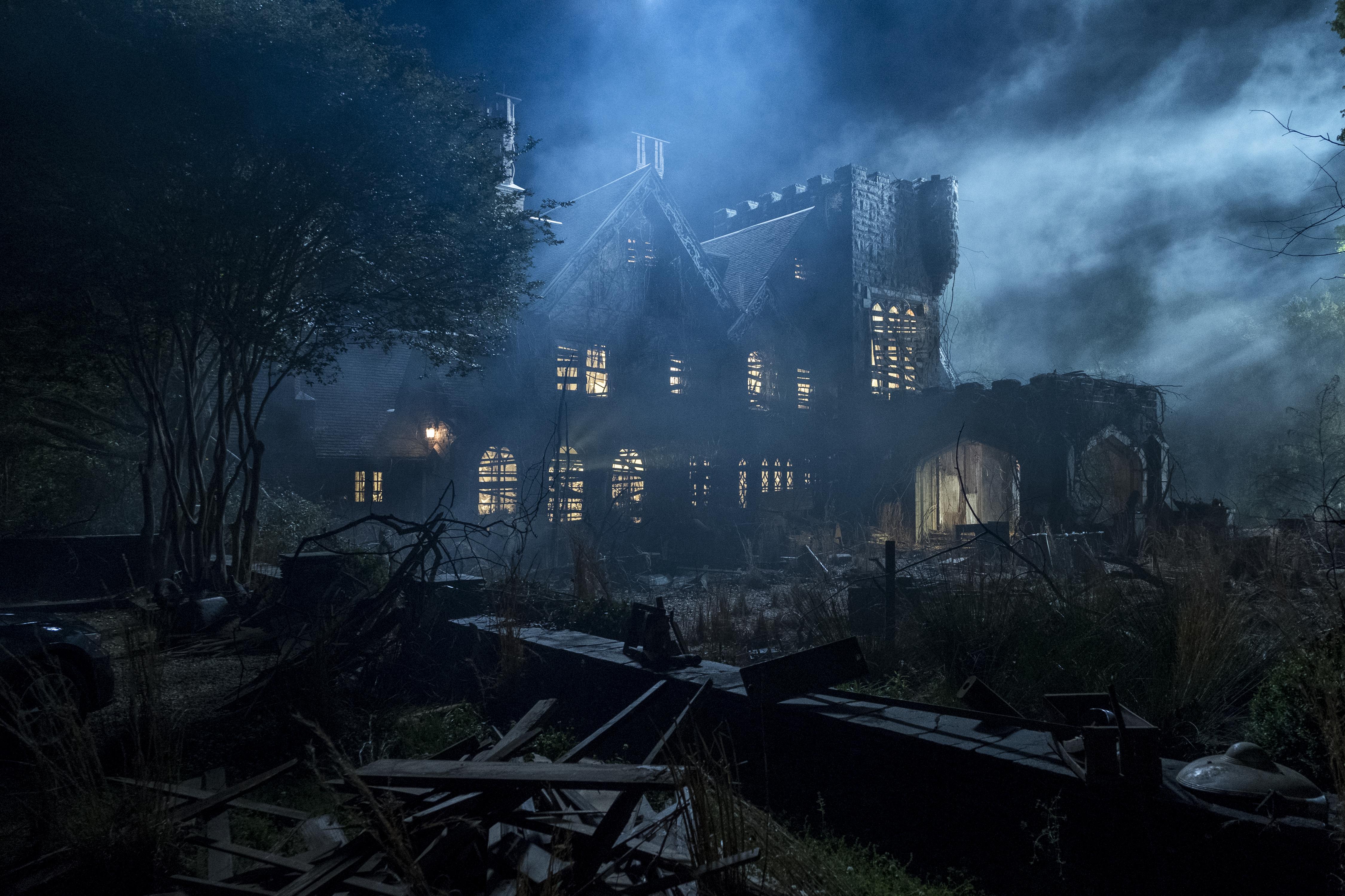 Hill House Production Designer Built Two Story Mansion On Soundstage Deadline