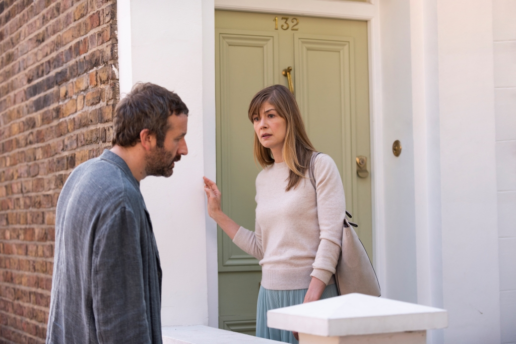 Rosamund Pike and Chris O'Dowd in 'State of the Union'