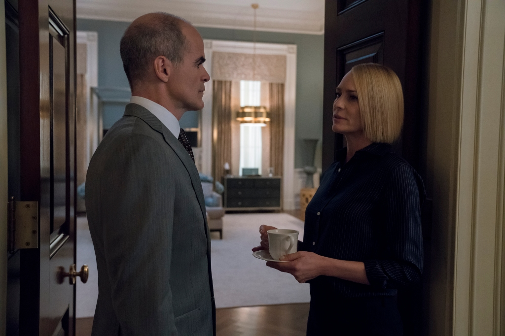 Michael Kelly and Robin Wright in 'House of Cards'
