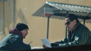 Paul Dano and Benicio del Toro in 'Escape at Dannemora'