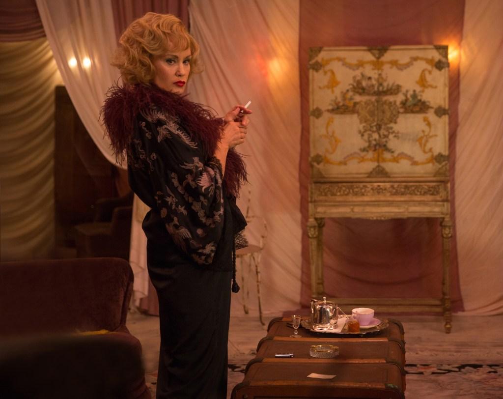 Jessica Lange in 'American Horror Story'