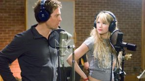 Hugh Grant and Haley Bennett in 'Music and Lyrics'