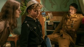 Thomasin McKenzie and Roman Griffin Davis in 'Jojo Rabbit'