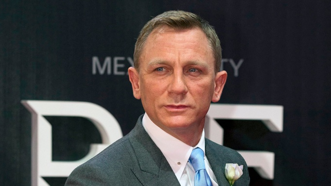 Daniel Craig Is All Business In First Poster For James Bond Film 'No Time  To Die' – Deadline