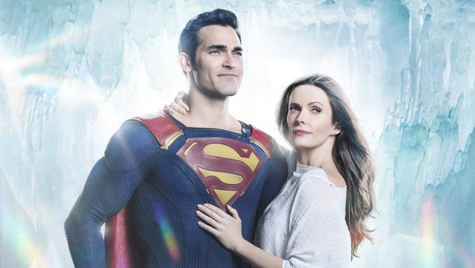 Superman & Lois' Creator Todd Helbing Teases New Suit, Smallville Setting  For 2021 Series – DC FanDome – Deadline