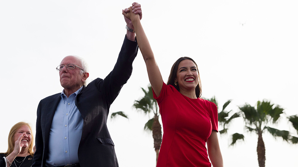 Bernie Sanders Rally. Venice, USA - 21 Dec 2019 Democratic presidential candidate Sen. Bernie Sanders, I-Vt., and Rep. Alexandria Ocasio-Cortez, D-N.Y., greet the crowd during a rally in Venice, Calif 21 Dec 2019 Image ID: 10511309a Featured in: Election 2020 Bernie Sanders, Venice, USA - 21 Dec 2019 Photo Credit: Kelvin Kuo/AP/Shutterstock