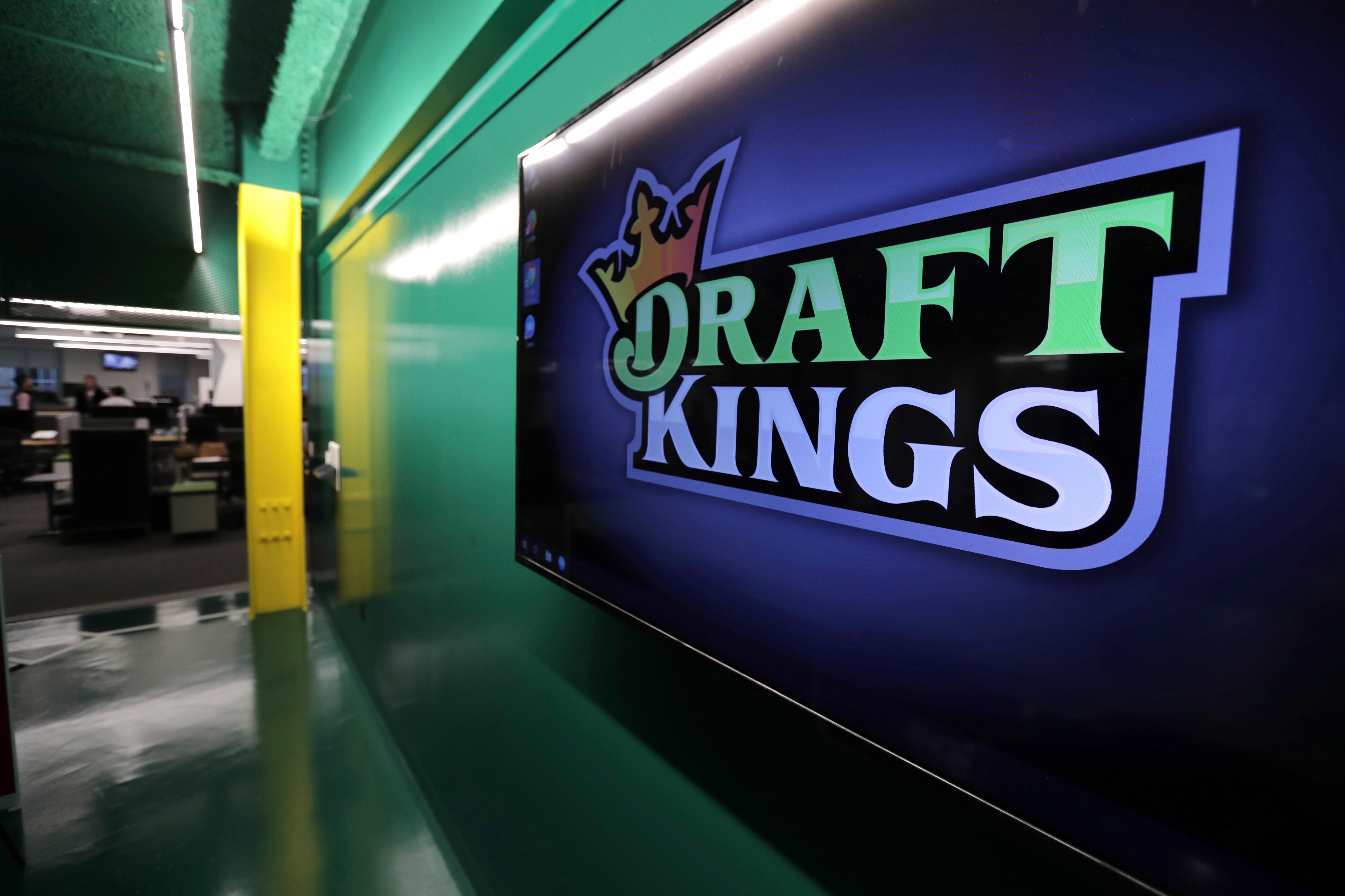 When will draftkings have sports betting betting dutching calculator