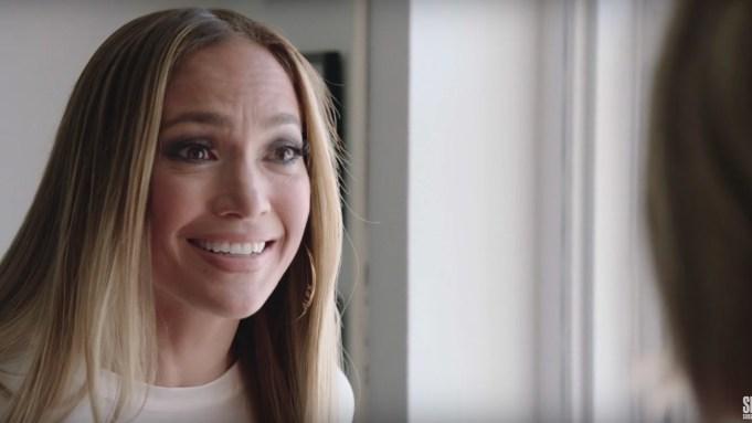 'SNL': Jennifer Lopez Tries To Light