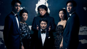 Bong Joon Ho with the cast of Parasite