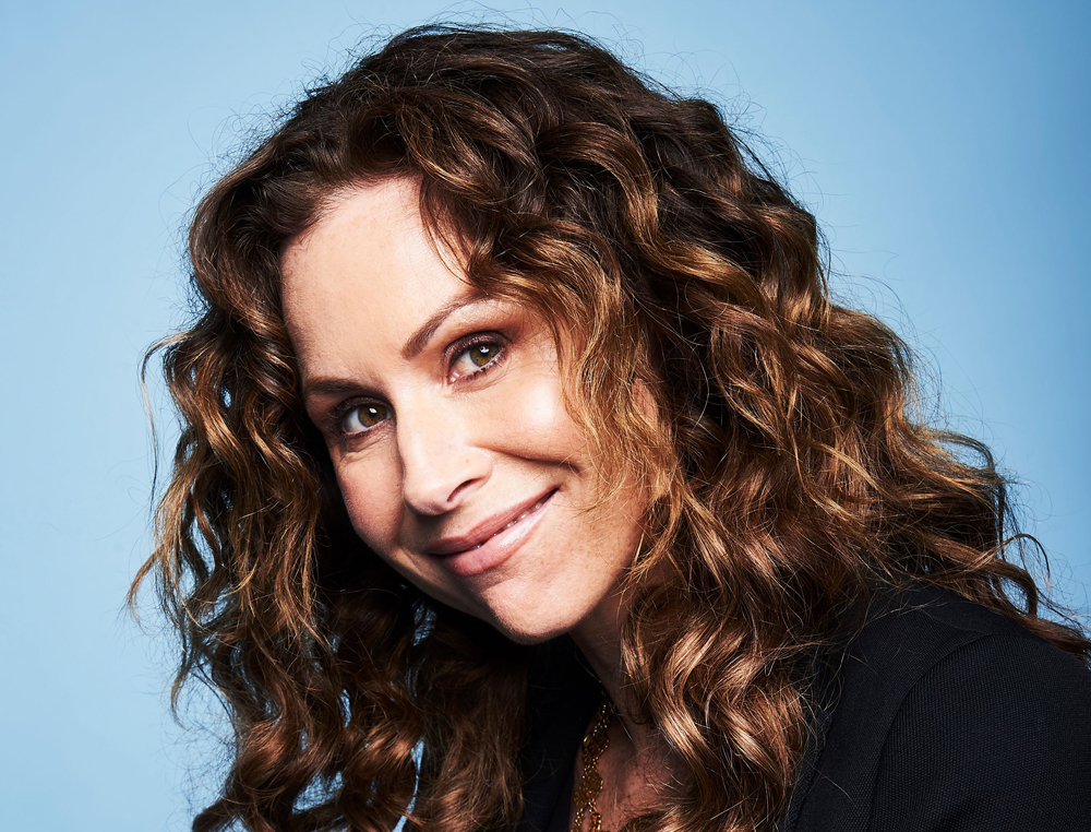 Minnie Driver Re Ups Pod Deal With 20th Century Fox Tv Sets Dramedy At Fx Deadline