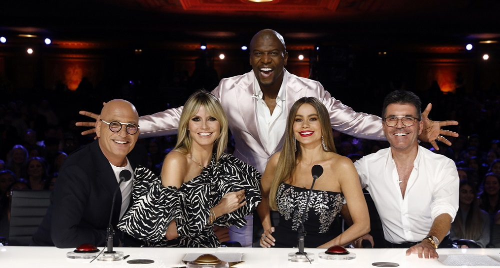 "AMERICA'S GOT TALENT -- ""Auditions"" -- Pictured: (l-r) Howie Mandel, Heidi Klum, Terry Crews, Sofia Vergara, Simon Cowell -- (Photo by: Trae Patton/NBC)"