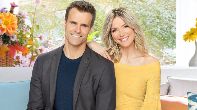 Hallmark Channel Shuts Down Production Of Home Family Original Movies Amid Coronavirus Pandemic Deadline,Country Cottage Cottage Style Decor Ideas