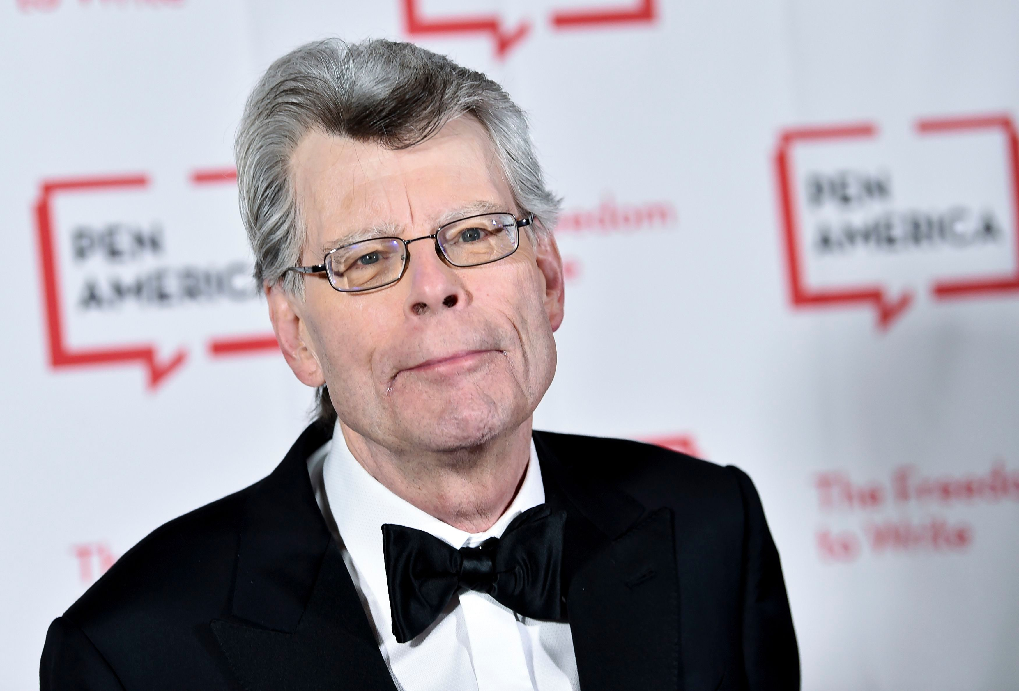 Steben King Halloween Show 2020 Stephen King Helpfully Posts 'The Stand' Chapter That Explains