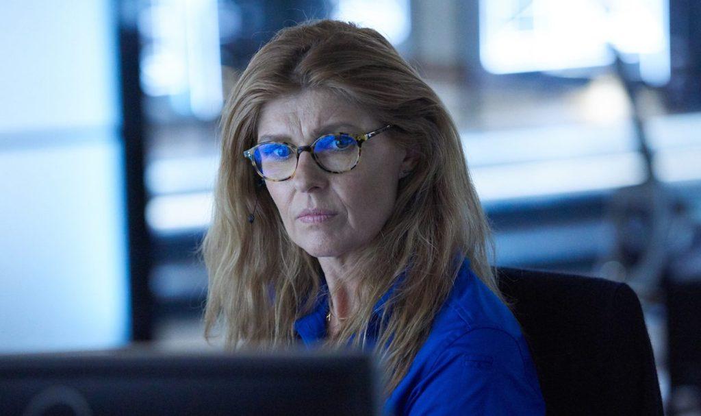 Connie Britton Returning To 9 1 1 For Last 2 Episodes Of Season 3 Watch Promo Deadline