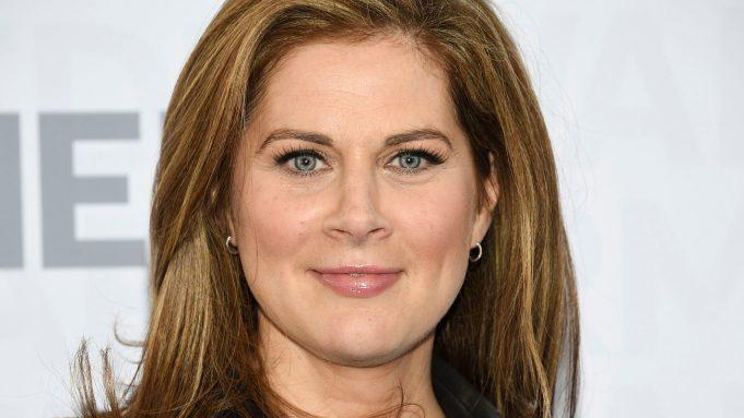 Cnn Host Erin Burnett Cries During Live Interview With Virus Widow Deadline
