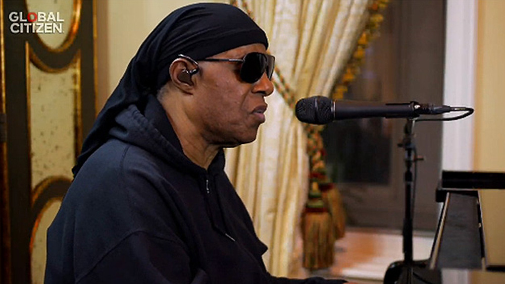 Stevie Wonder Christmas Concert 2020 Watch: Stevie Wonder Performs Bill Withers Tribute During 'One