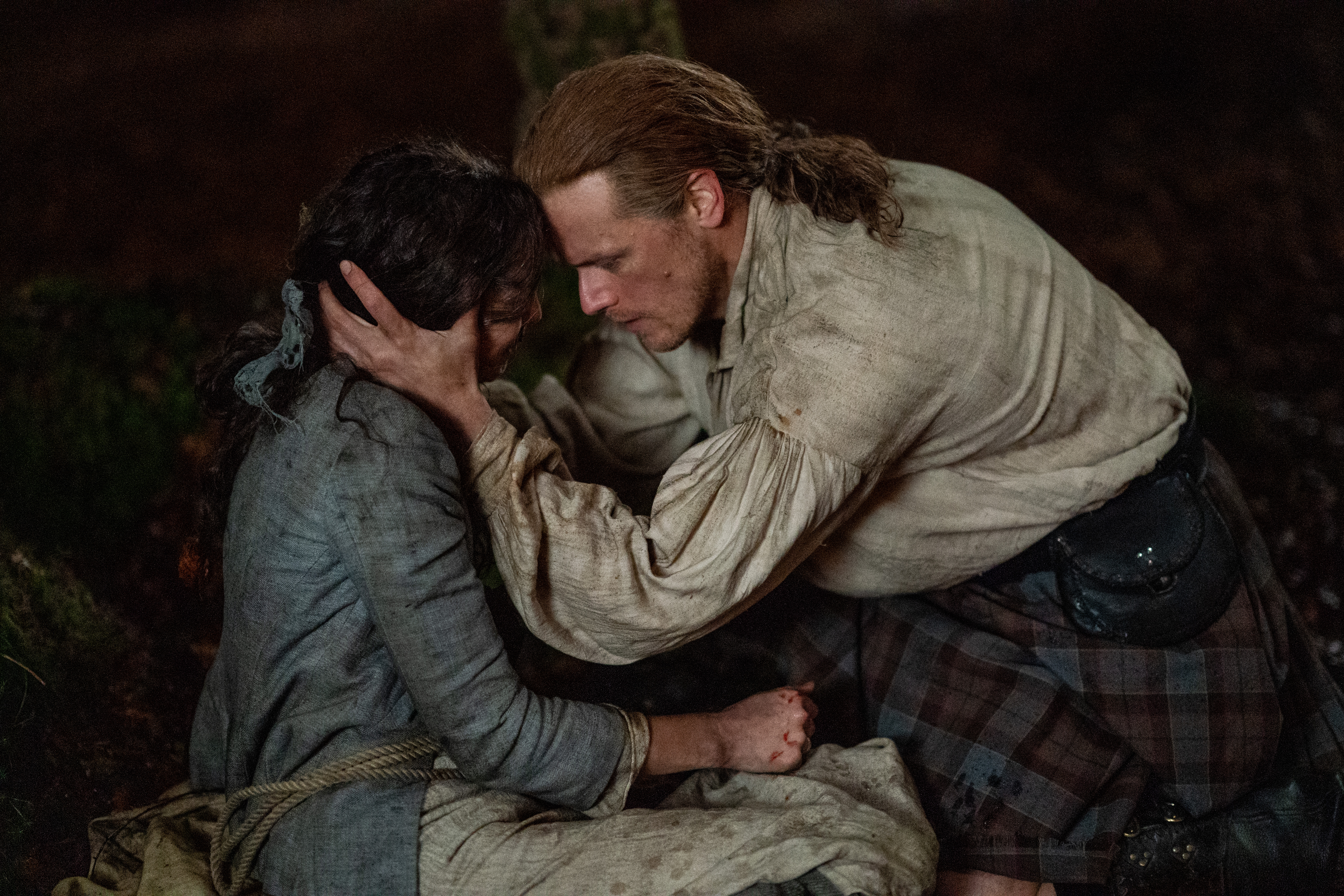 Outlander Season 5 Finale Claire Mackenzie S Fate Revealed Plus Ep Star Tease What S To Come In Season 6 Deadline