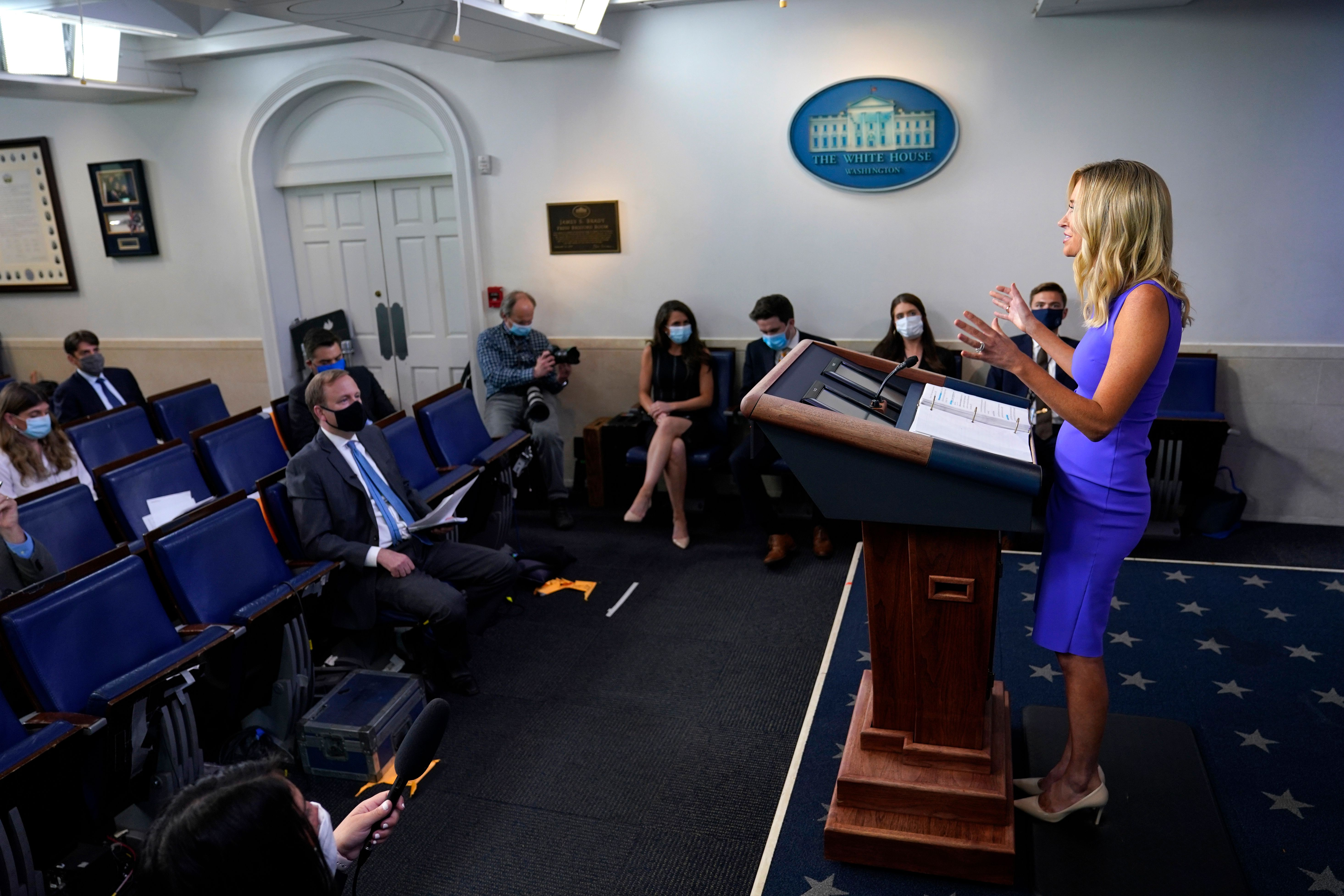 Reporters Challenge Kayleigh Mcenany On Donald Trump S Tweets Deadline