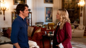 James Marsden and Christina Applegate in 'Dead to Me'