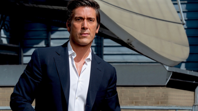 Abc S World News Tonight With David Muir Hits Another Ratings Milestone As No 1 Program On Broadcast Cable In Demos Total Viewers Deadline