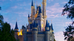 Disney World Modifies Mask Policy For Dining Locations