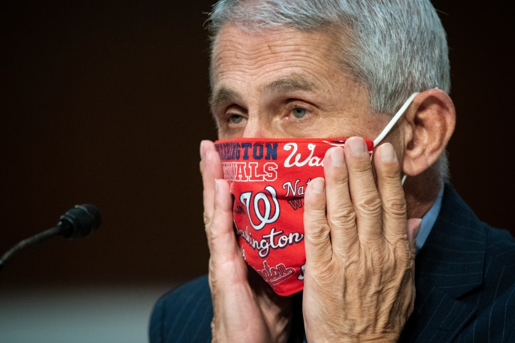 Dr. Anthony Fauci Predicts Yearlong Intermission Between Vaccine Arrival And Maskless Theater - Deadline