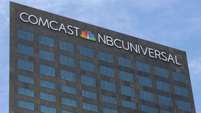 Comcast-NBCUniversal-building-Los-Angeles-1.jpg?crop=0px%2c387px%2c3600px%2c2018px&resize=681%2c383
