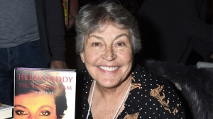 Helen Reddy Dies: 'I Am Woman' Hitmaker & Feminist Icon Was 78