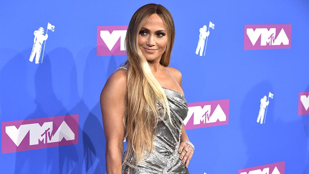 Jennifer Lopez To Be Honored At 'E!'s People's Choice Awards' thumbnail