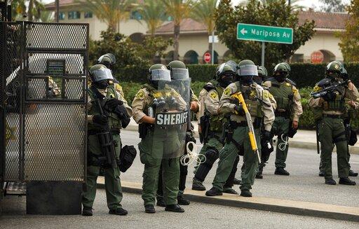 Los Angeles County Sheriffs Offer 100k Reward For Info On Shooting Of Two Deputies Update Deadline